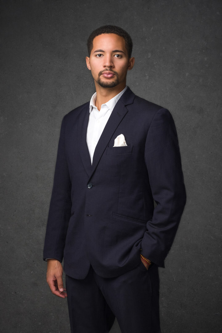 Example of what to wear for a men's business portrait