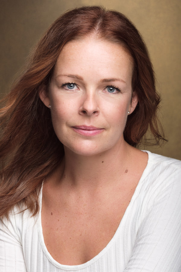 Headshot for Irish actress Jane Murphey
